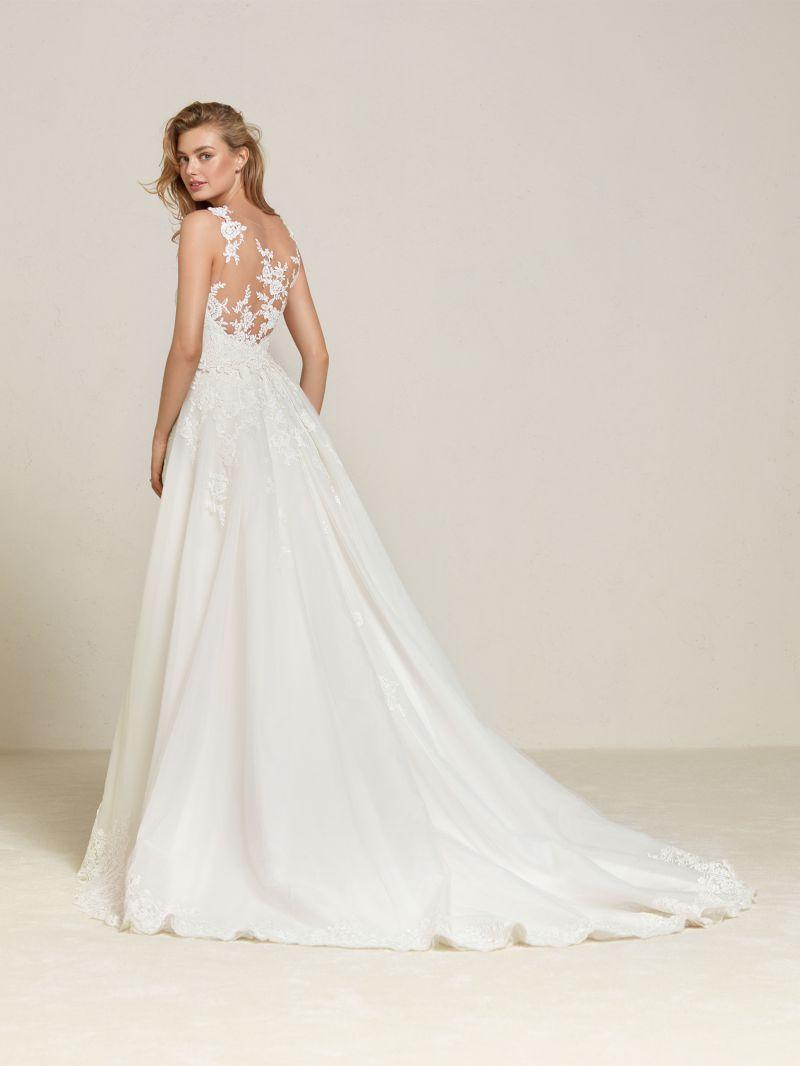 Pronovias 2018 menyasszonyi ruha kollekció: Drum eskövői ruha