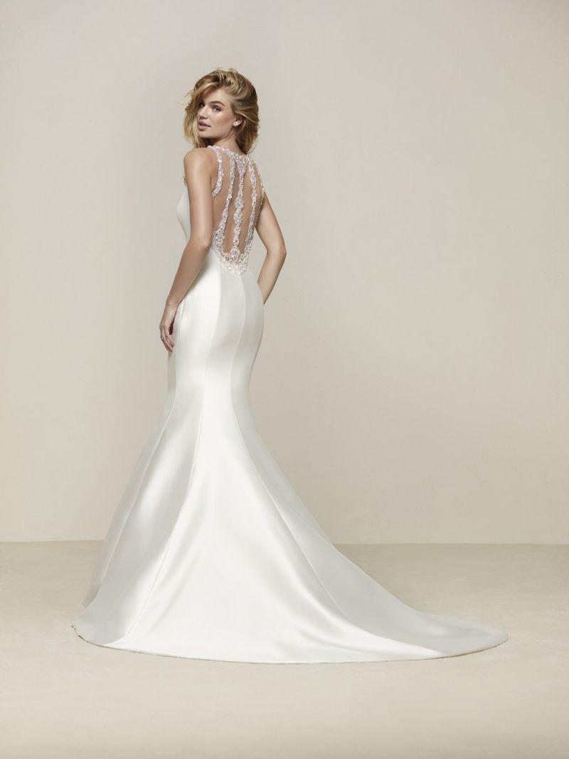 Pronovias 2018 menyasszonyi ruha kollekció: Drupa eskövői ruha