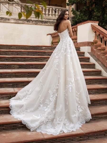 Esküvői ruha bérlés, vásárlás – Pronovias 2021-es kollekció: Elcira eskövői ruha