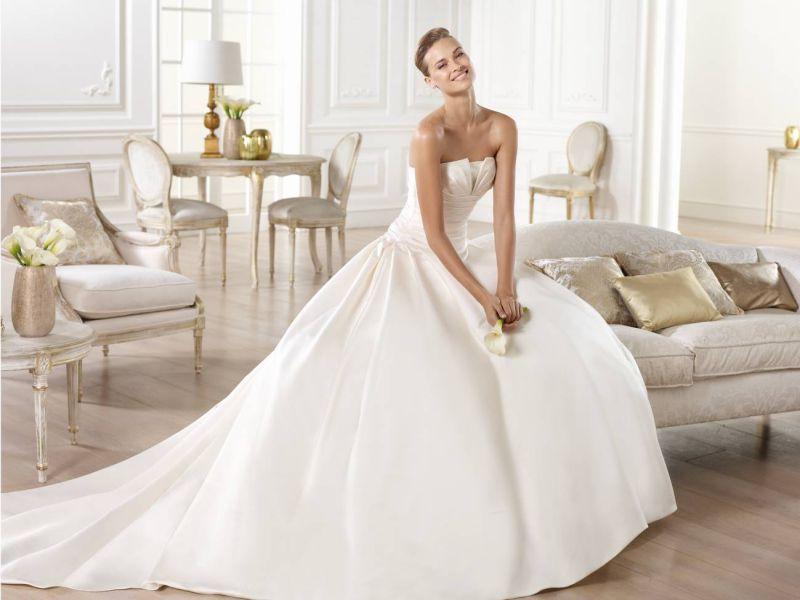 Pronovias előfoglalás - La Mariée esküvői ruhaszalon: Georgia menyasszonyi ruha