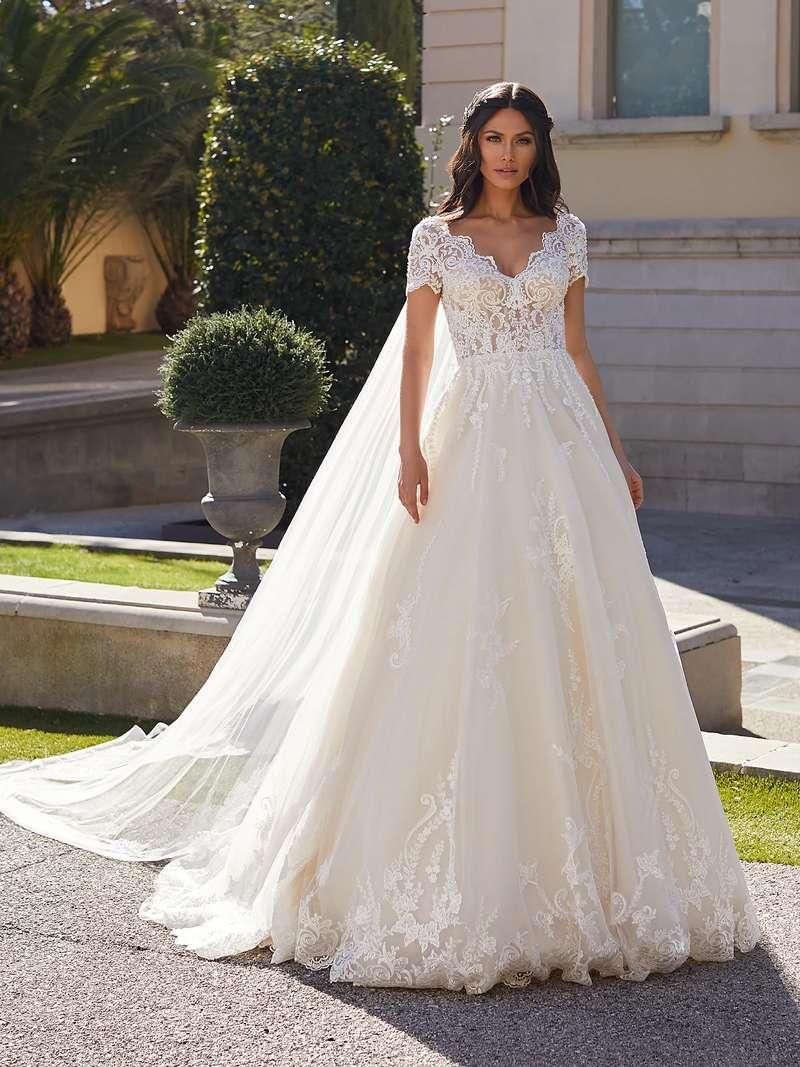 Esküvői ruha bérlés, vásárlás – Pronovias 2021-es kollekció: Giselle menyasszonyi ruha