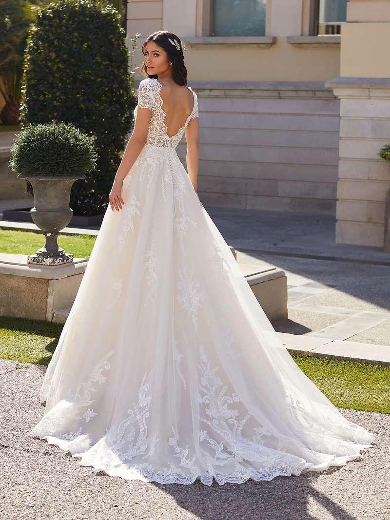 Esküvői ruha bérlés, vásárlás – Pronovias 2021-es kollekció: Giselle eskövői ruha