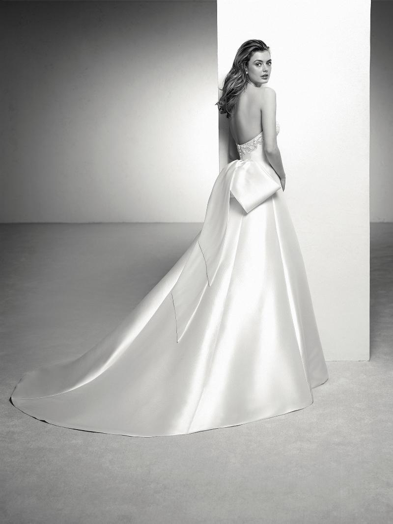 Pronovias 2018 menyasszonyi ruha kollekció: Ingrid eskövői ruha