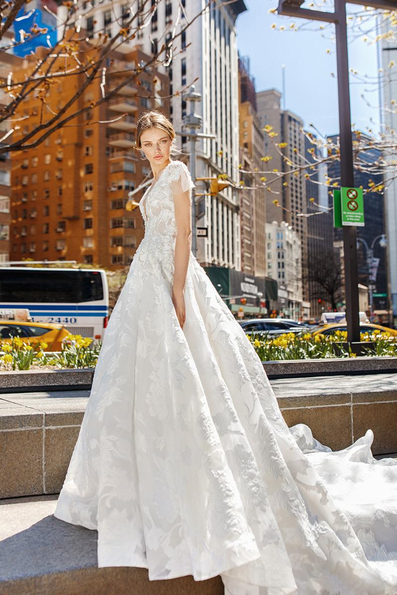 Eva Lendel esküvői ruha kollekció: Jasmin menyasszonyi ruha