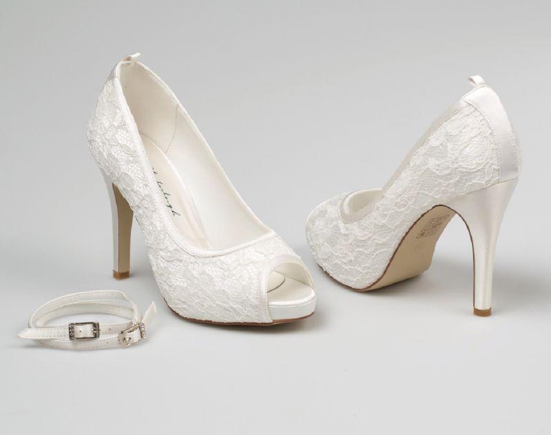 Leila Esküvői ruha kiegészítő: Esküvői Cipő - La Mariée esküvői ruhaszalon Budapest