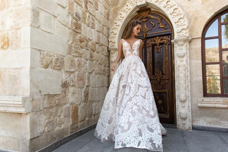 Eva Lendel esküvői ruha kollekció: Luisa menyasszonyi ruha