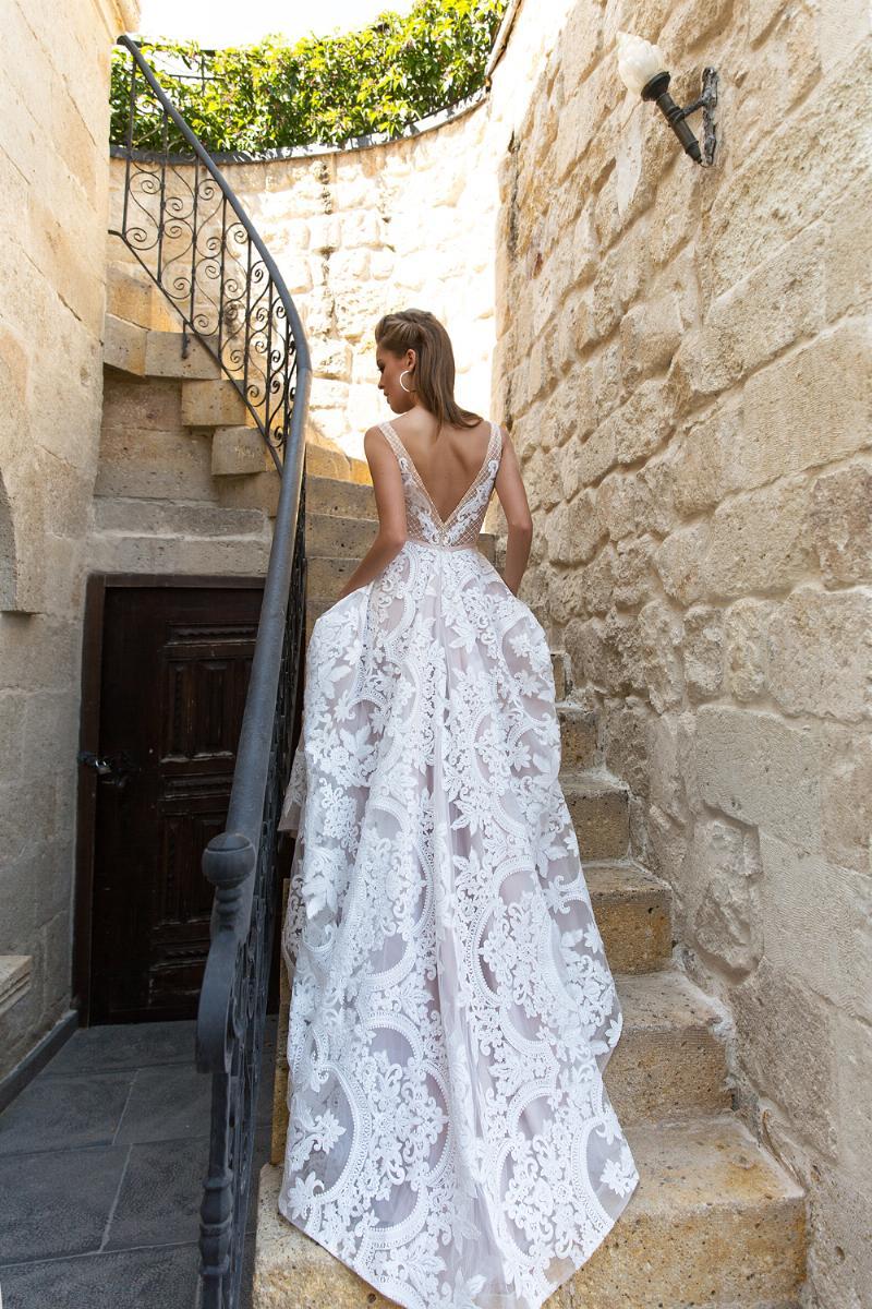 Eva Lendel esküvői ruha kollekció: Luisa eskövői ruha