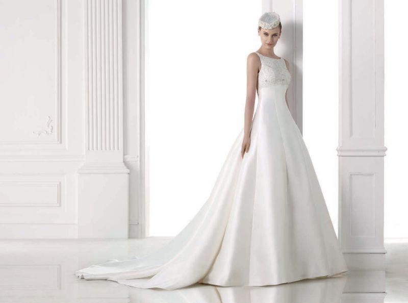 Pronovias előfoglalás - La Mariée esküvői ruhaszalon: Magami eskövői ruha
