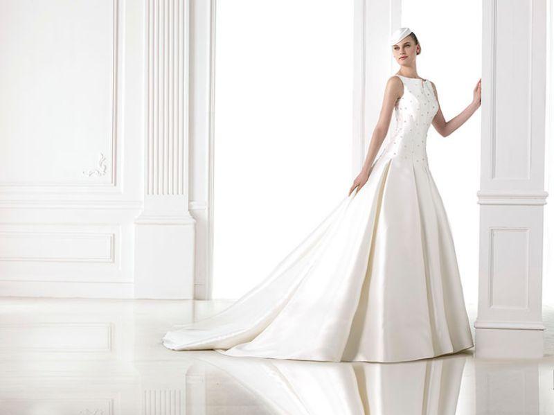 Pronovias előfoglalás - La Mariée esküvői ruhaszalon: Maiara menyasszonyi ruha