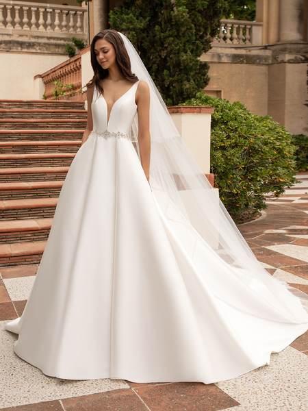 Esküvői ruha bérlés, vásárlás – Pronovias 2021-es kollekció: Malena menyasszonyi ruha