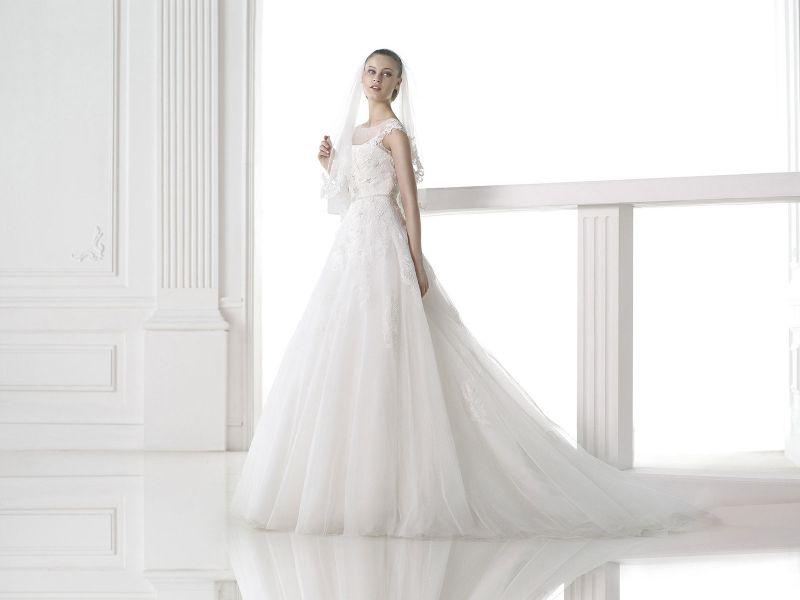 Pronovias előfoglalás - La Mariée esküvői ruhaszalon: Mel menyasszonyi ruha
