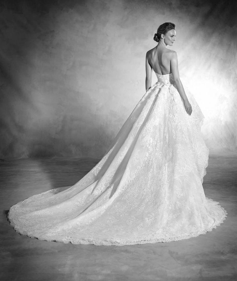 Pronovias Atelier mennyasszonyi ruha kollekció: Nancy eskövői ruha