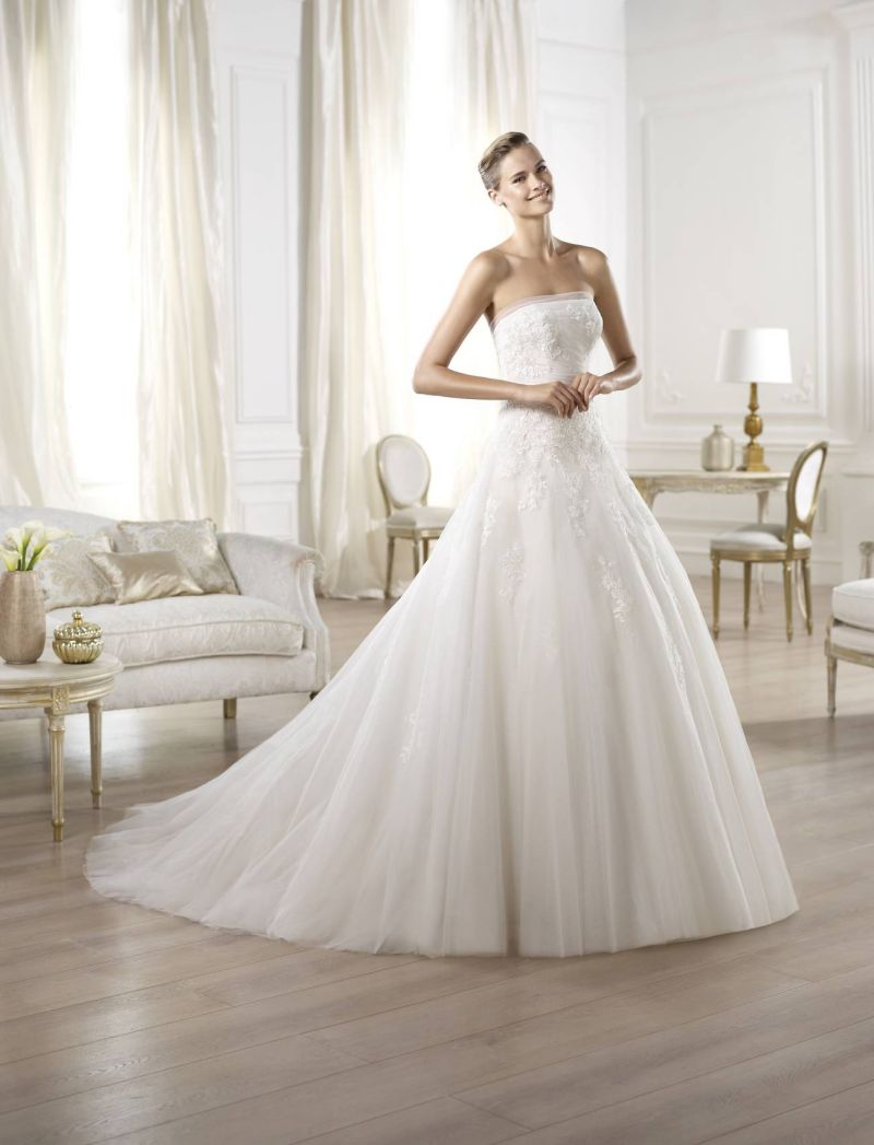 Pronovias előfoglalás - La Mariée esküvői ruhaszalon: Ocotal eskövői ruha