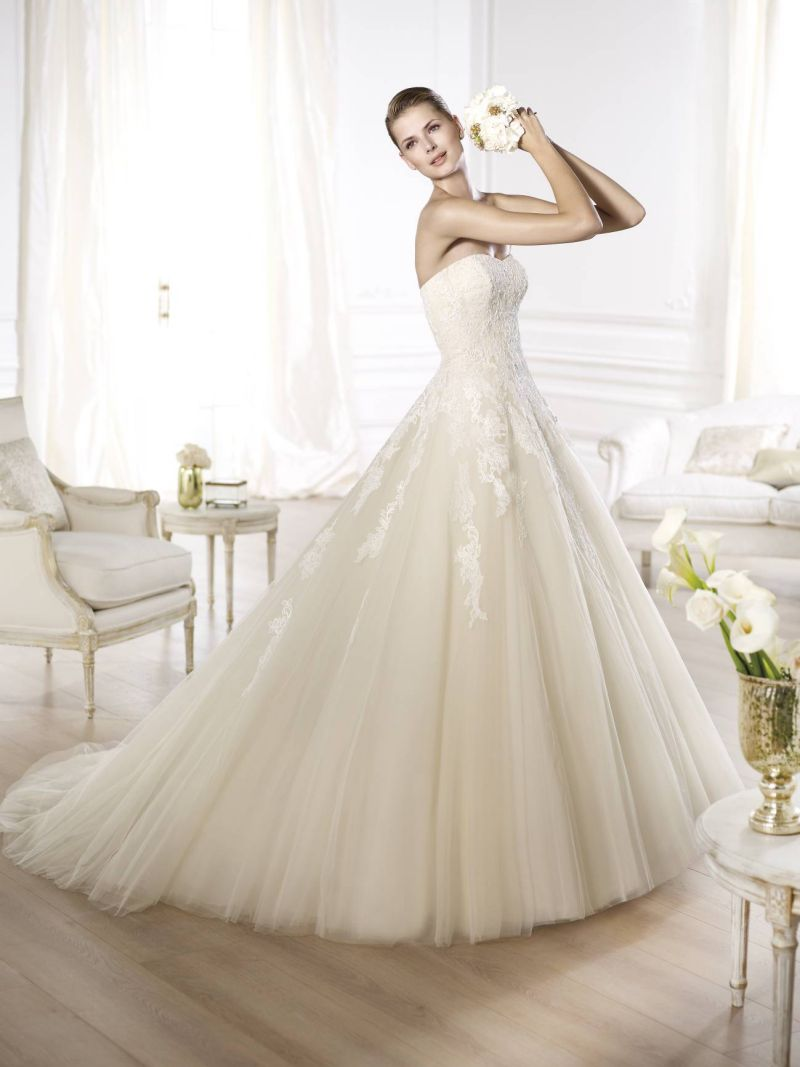 Pronovias előfoglalás - La Mariée esküvői ruhaszalon: Octavia eskövői ruha