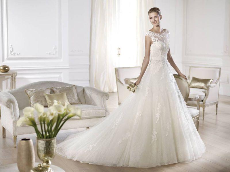 Pronovias előfoglalás - La Mariée esküvői ruhaszalon: Ofira menyasszonyi ruha