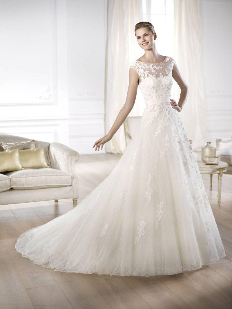 Pronovias előfoglalás - La Mariée esküvői ruhaszalon: Ofira eskövői ruha