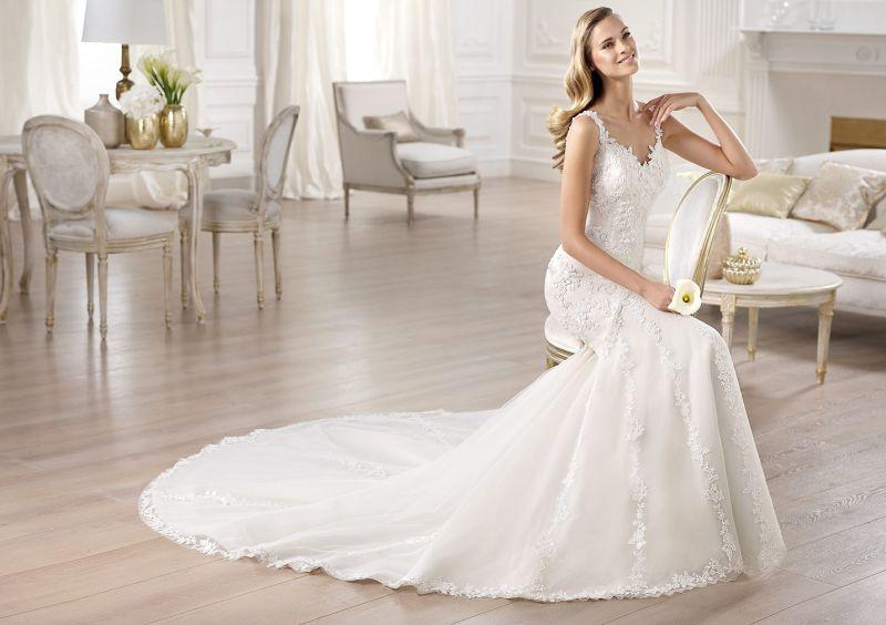 Pronovias előfoglalás - La Mariée esküvői ruhaszalon: Omilu eskövői ruha