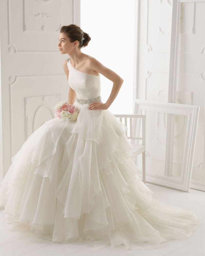 Rosa Clará Aire előfoglalási kedvezmények - La Mariée esküvői ruhaszalon Budapest: Optimo eskövői ruha