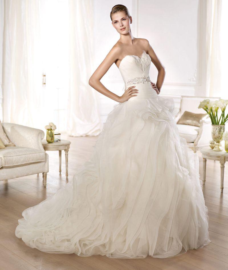 Pronovias előfoglalás - La Mariée esküvői ruhaszalon: Ordaz menyasszonyi ruha