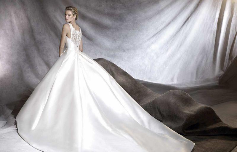 Pronovias 2018 menyasszonyi ruha kollekció: Otilia menyasszonyi ruha