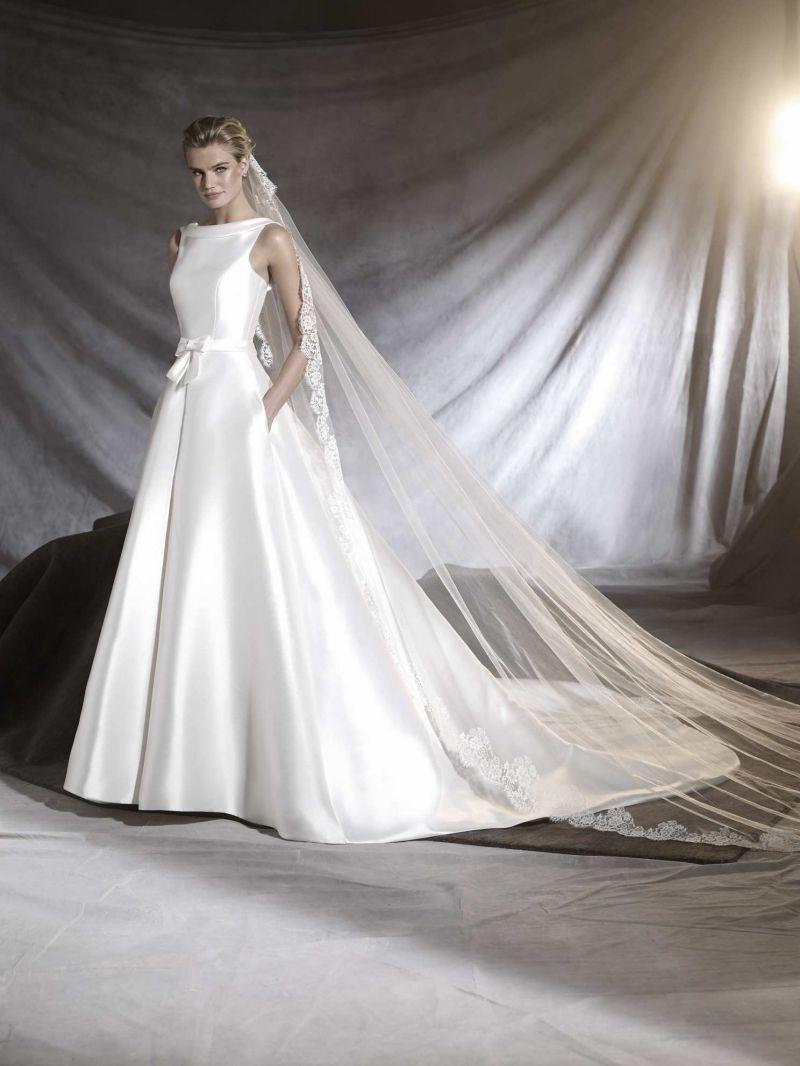 Pronovias 2018 menyasszonyi ruha kollekció: Otilia eskövői ruha