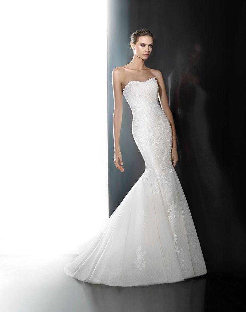 Pronovias előfoglalás - La Mariée esküvői ruhaszalon: Phoenix menyasszonyi ruha