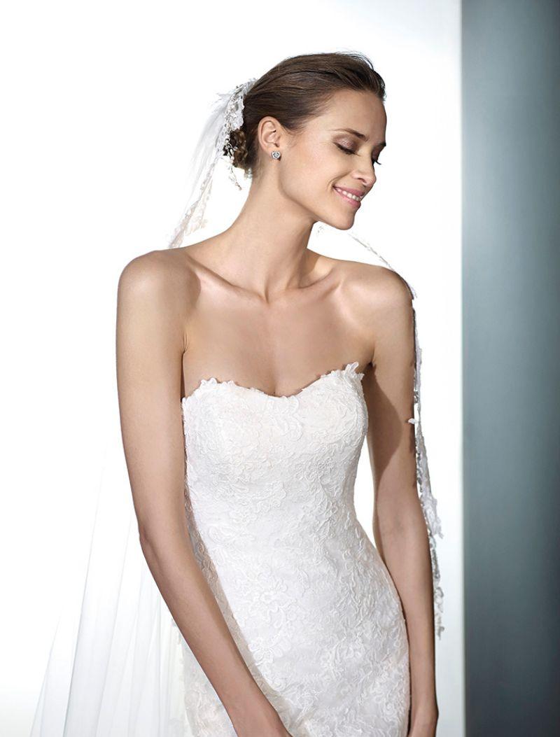 Pronovias előfoglalás - La Mariée esküvői ruhaszalon: Phoenix eskövői ruha