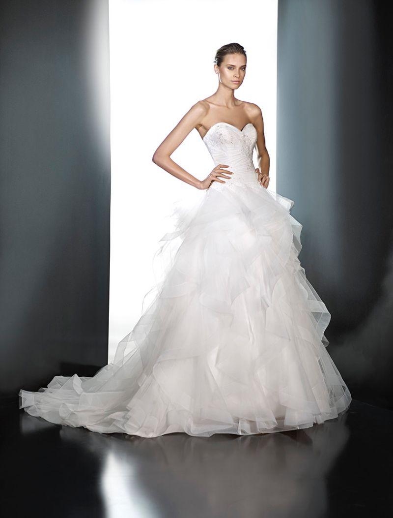 Pronovias előfoglalás - La Mariée esküvői ruhaszalon: Plata menyasszonyi ruha