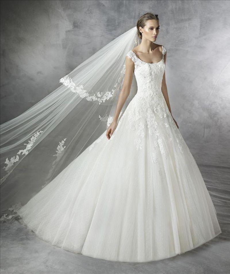 Pronovias előfoglalás - La Mariée esküvői ruhaszalon: Pleiada menyasszonyi ruha