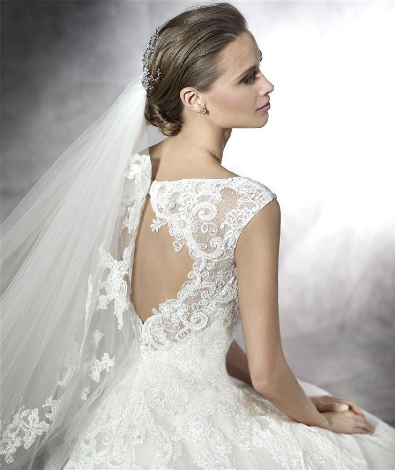 Pronovias előfoglalás - La Mariée esküvői ruhaszalon: Pleiada eskövői ruha