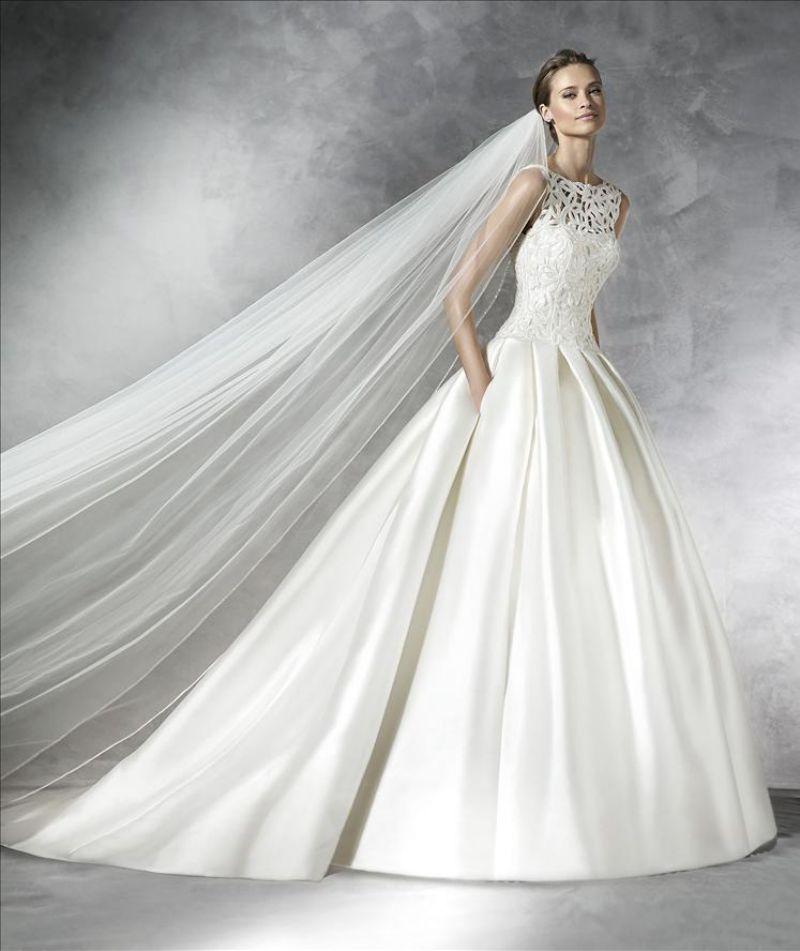 Pronovias előfoglalás - La Mariée esküvői ruhaszalon: Pranette menyasszonyi ruha