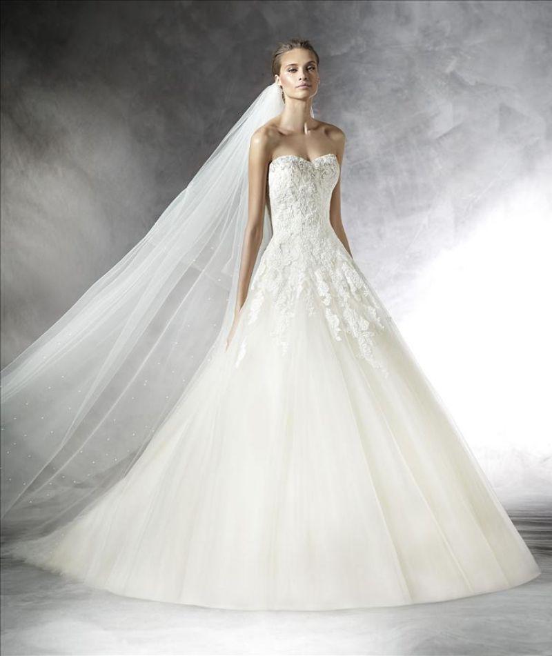 Pronovias előfoglalás - La Mariée esküvői ruhaszalon: Prasa menyasszonyi ruha