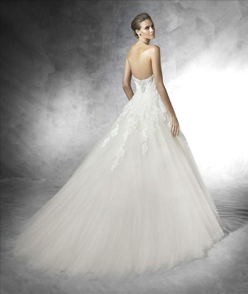 Pronovias előfoglalás - La Mariée esküvői ruhaszalon: Prasa eskövői ruha