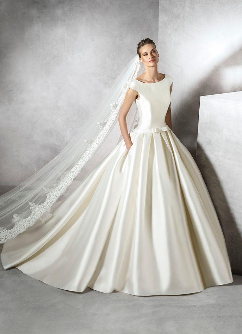 Pronovias előfoglalás - La Mariée esküvői ruhaszalon: Pravina menyasszonyi ruha