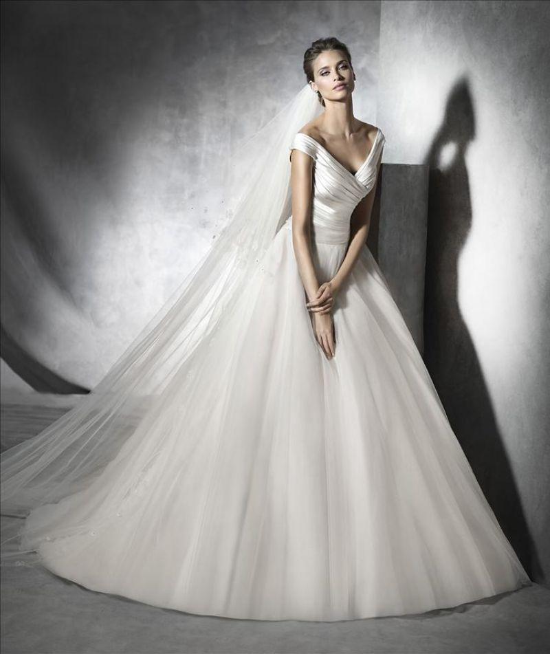 Pronovias előfoglalás - La Mariée esküvői ruhaszalon: Presta menyasszonyi ruha