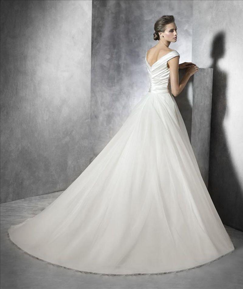 Pronovias előfoglalás - La Mariée esküvői ruhaszalon: Presta eskövői ruha