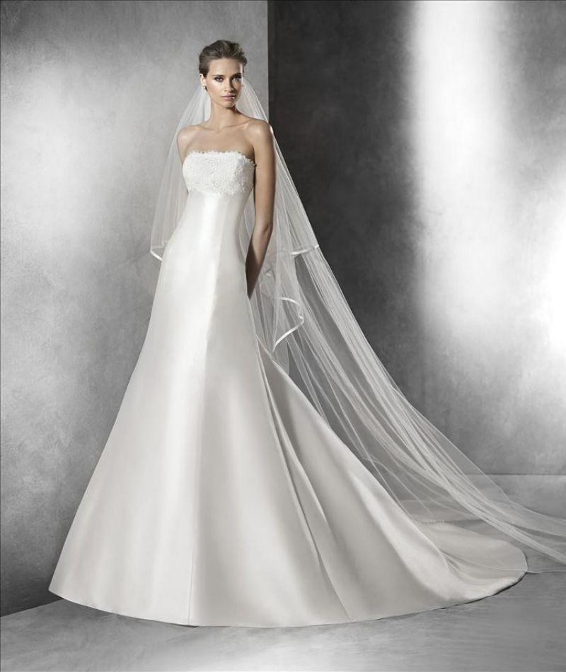 Pronovias előfoglalás - La Mariée esküvői ruhaszalon: Priscia menyasszonyi ruha