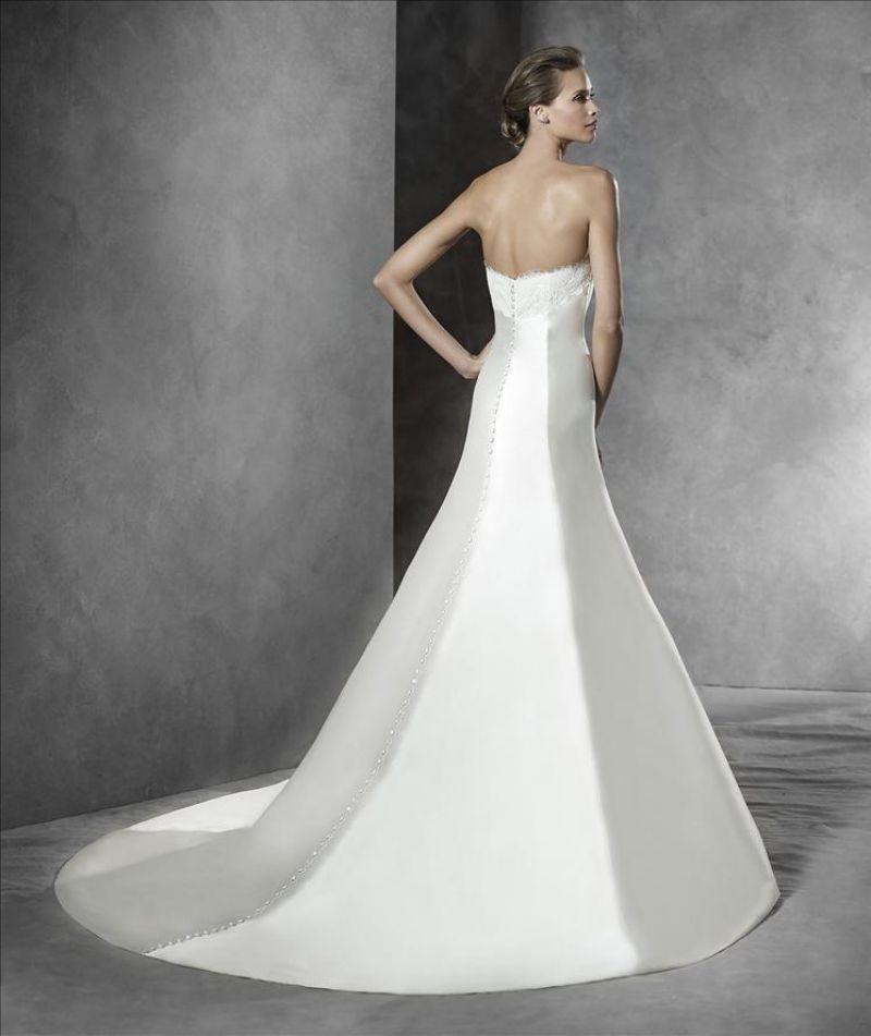 Pronovias előfoglalás - La Mariée esküvői ruhaszalon: Priscia eskövői ruha