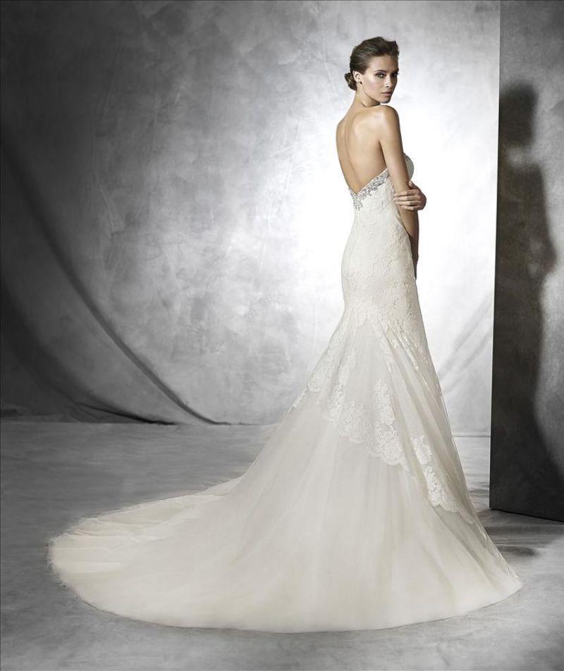 Pronovias előfoglalás - La Mariée esküvői ruhaszalon: Pruda eskövői ruha