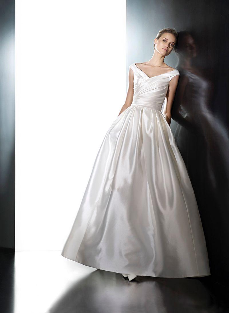 Pronovias előfoglalás - La Mariée esküvői ruhaszalon: Pruma menyasszonyi ruha