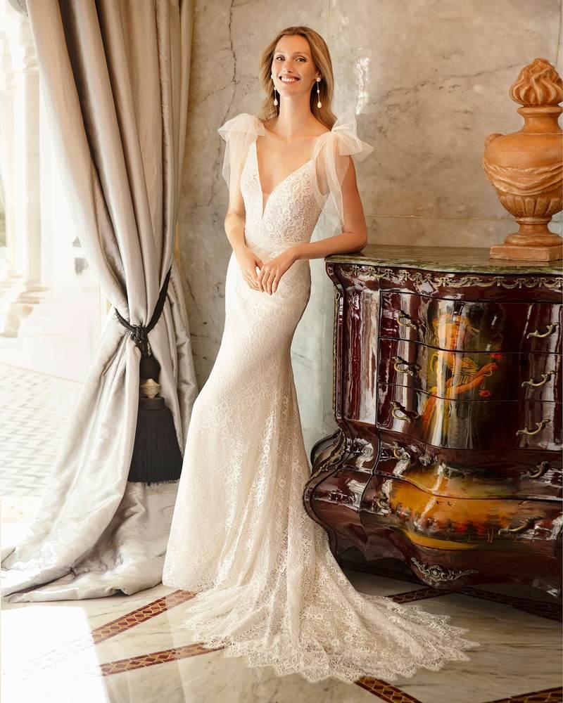 Rosa Clará 2021-es menyasszonyi ruha kollekció vásárlás, bérlés: Ringo menyasszonyi ruha