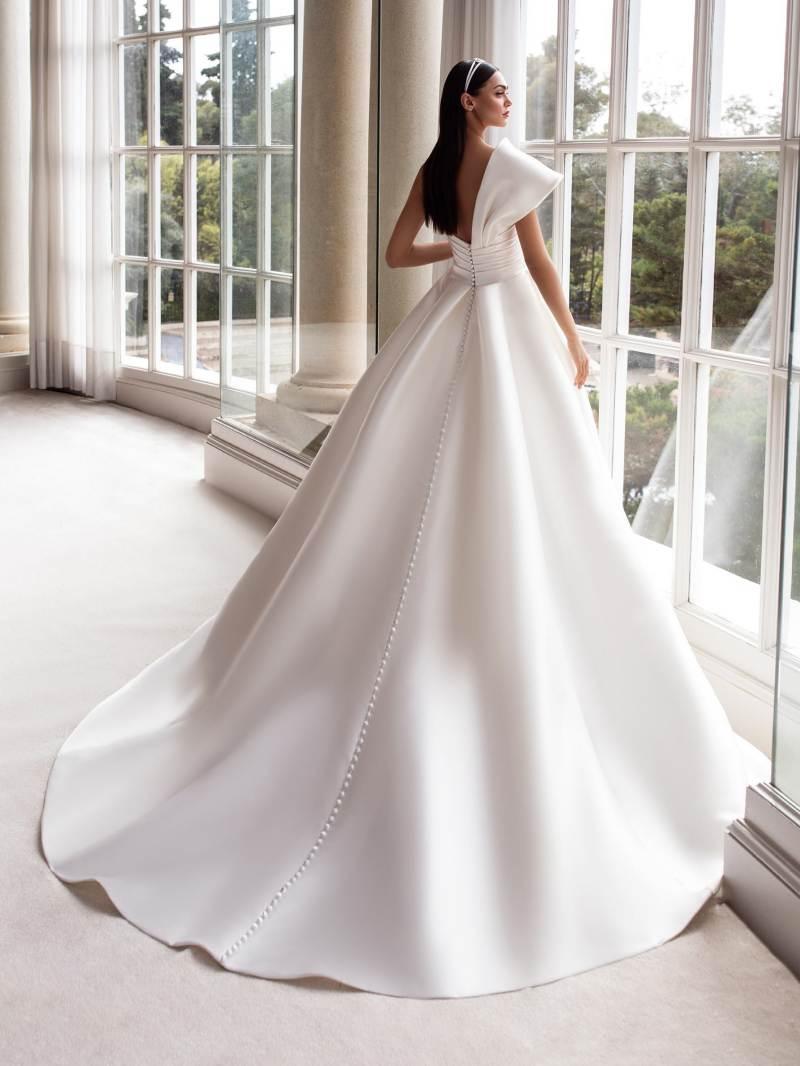 Esküvői ruha bérlés, vásárlás – Pronovias 2021-es kollekció: Sedna eskövői ruha