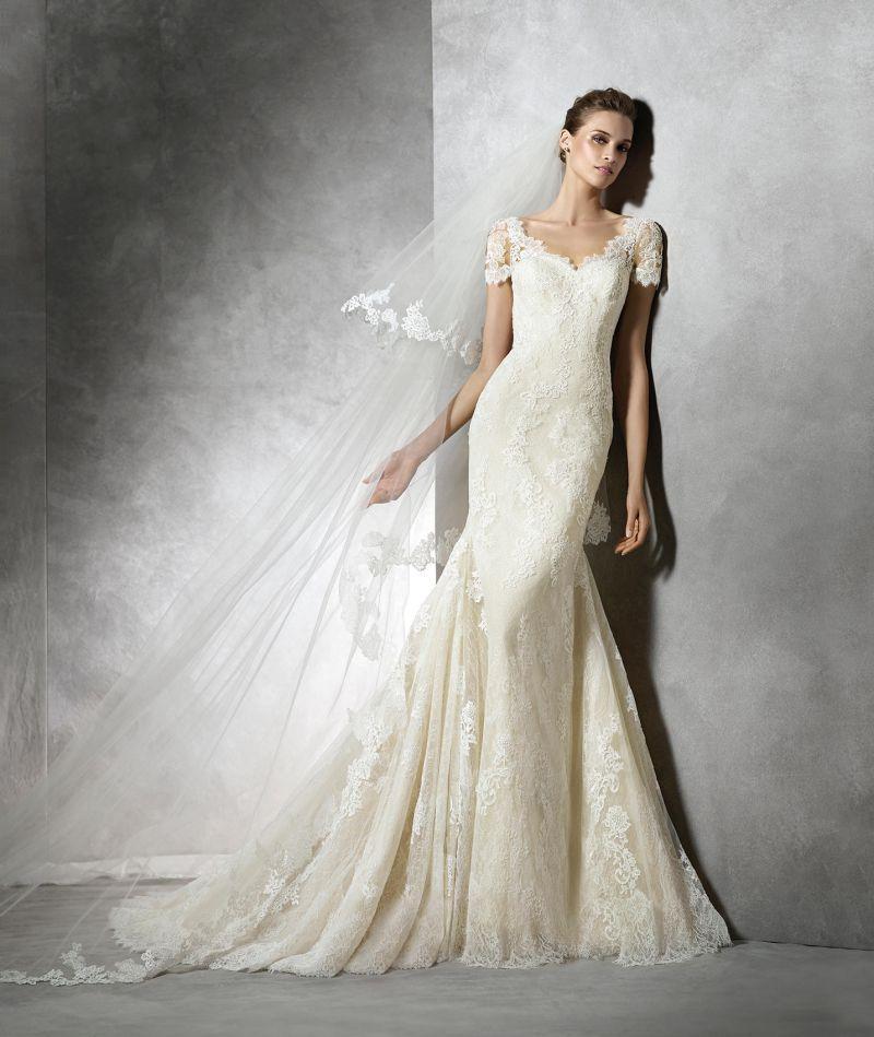 b95a3eb387 Pronovias előfoglalás - La Mariée esküvői ruhaszalon: Tair menyasszonyi ruha  ...