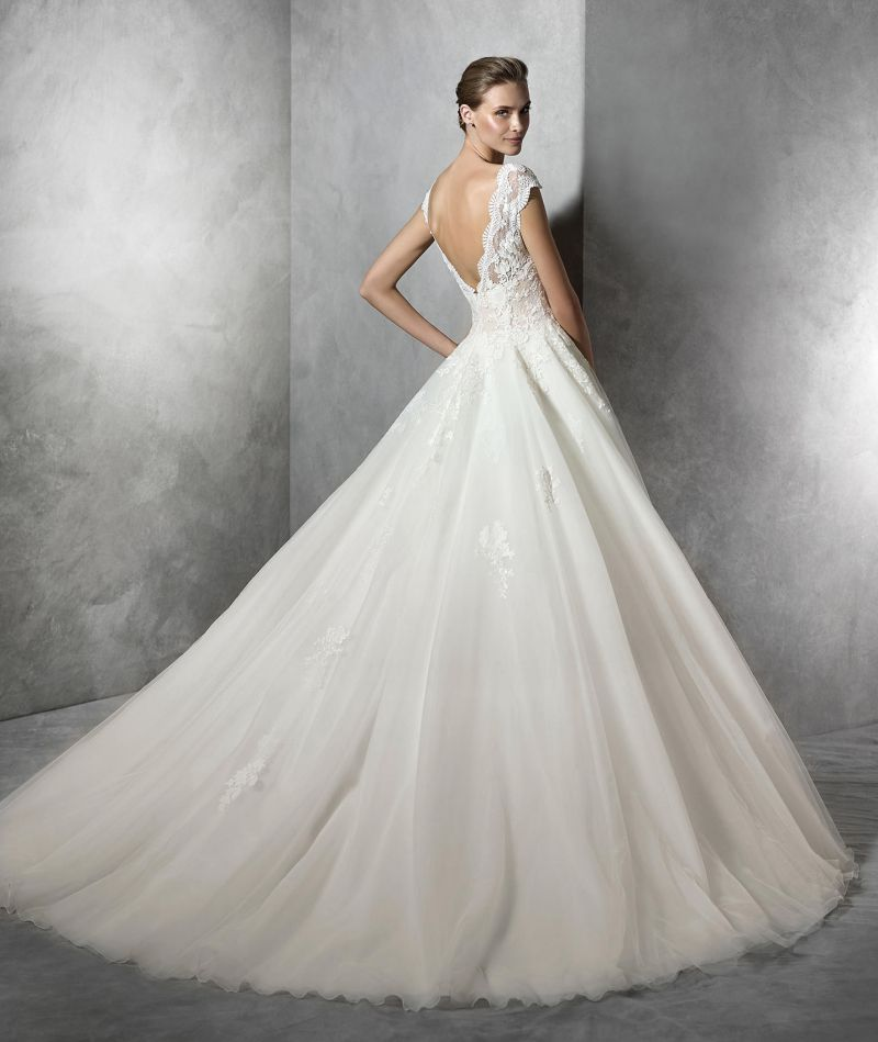 Pronovias előfoglalás - La Mariée esküvői ruhaszalon: Tamira eskövői ruha