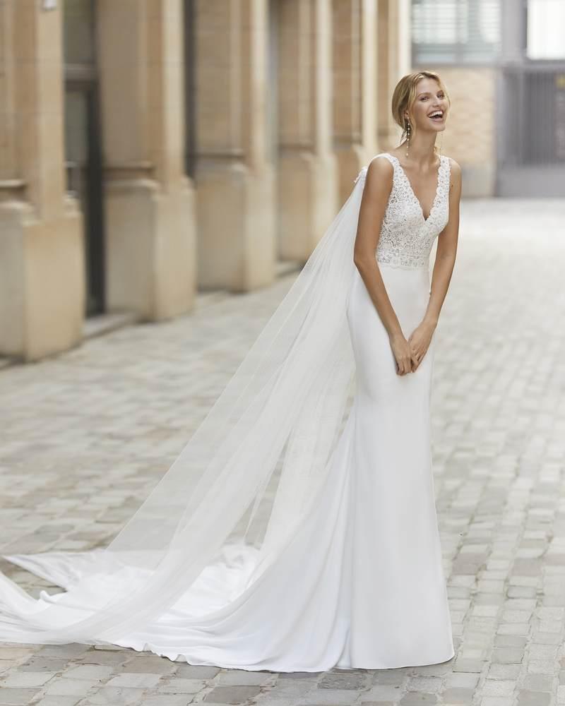 Rosa Clará 2021-es menyasszonyi ruha kollekció vásárlás, bérlés: Tamiz menyasszonyi ruha