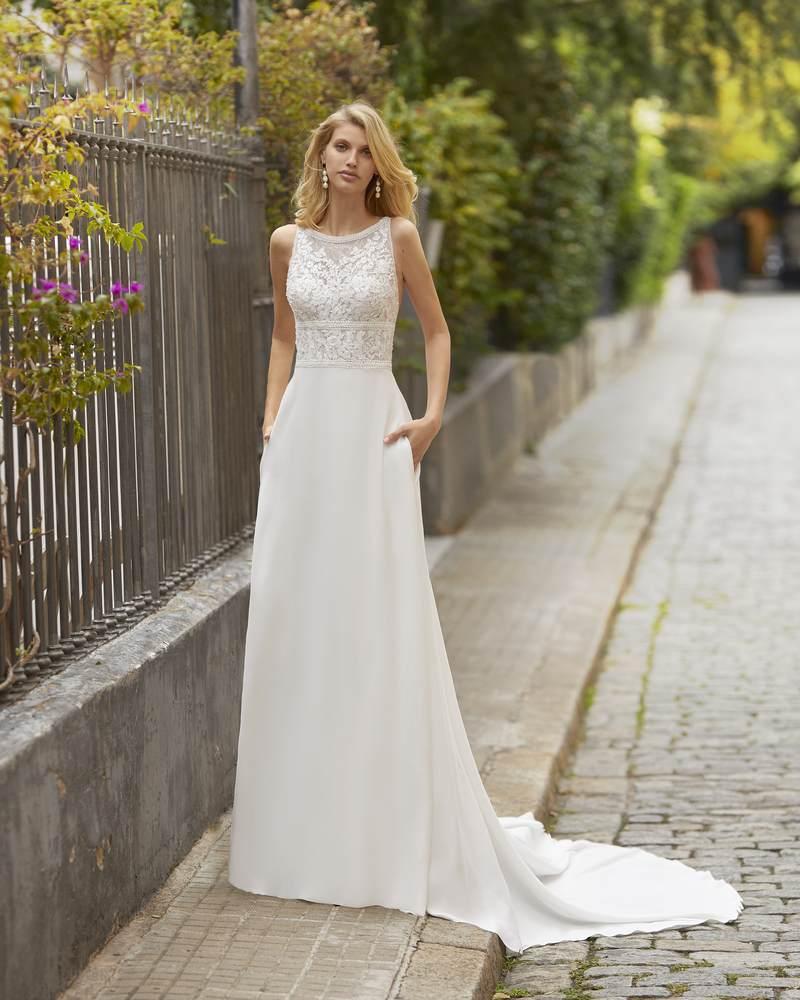 Rosa Clará 2021-es menyasszonyi ruha kollekció vásárlás, bérlés: Tanos menyasszonyi ruha