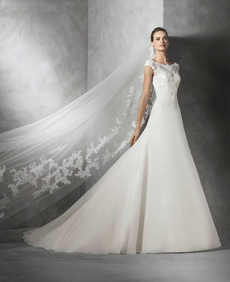 Pronovias előfoglalás - La Mariée esküvői ruhaszalon: Taylor menyasszonyi ruha