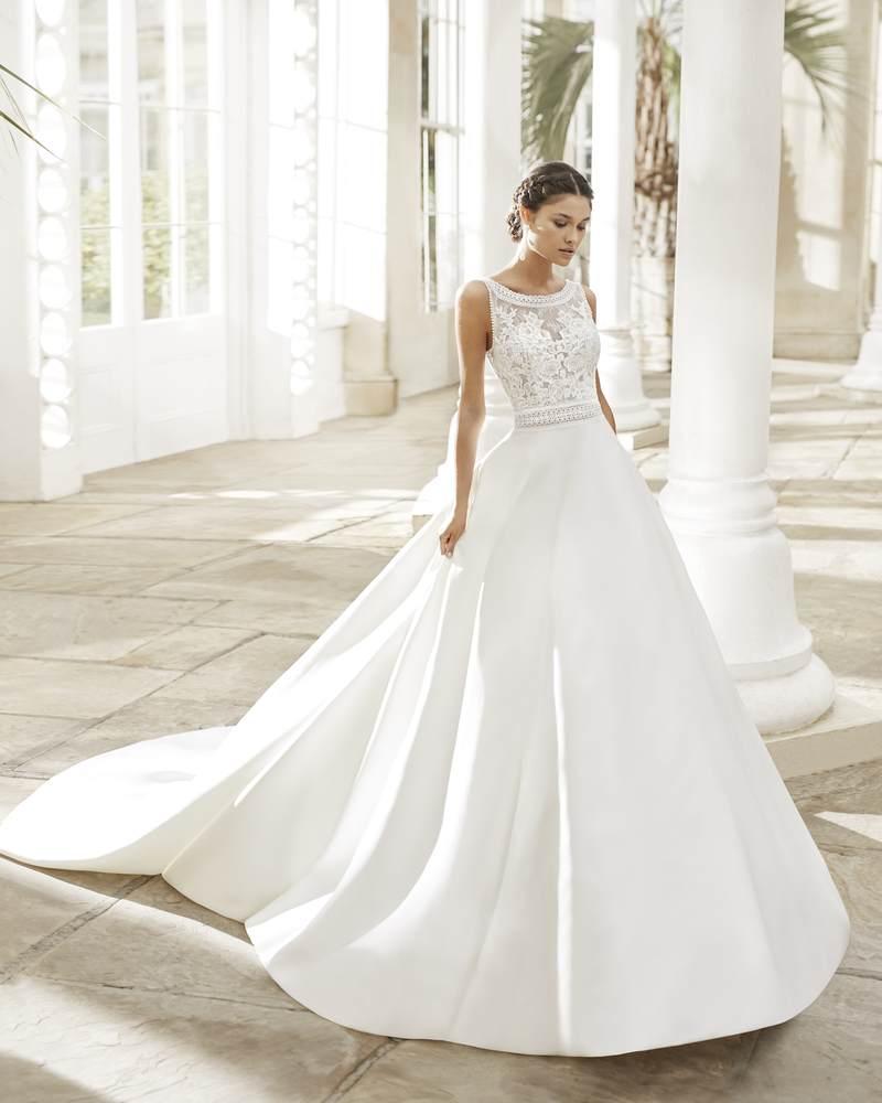 Rosa Clará 2021-es menyasszonyi ruha kollekció vásárlás, bérlés: Tiara menyasszonyi ruha