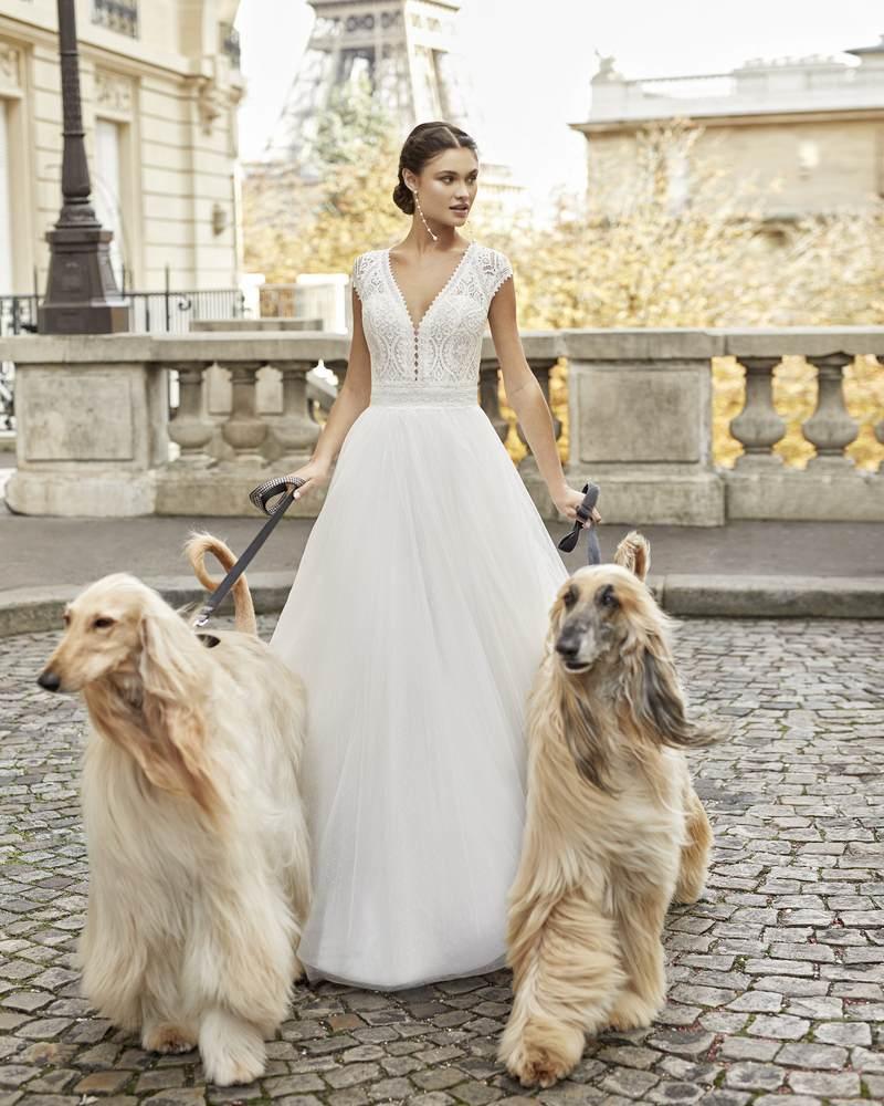 Rosa Clará 2021-es menyasszonyi ruha kollekció vásárlás, bérlés: Timbal menyasszonyi ruha