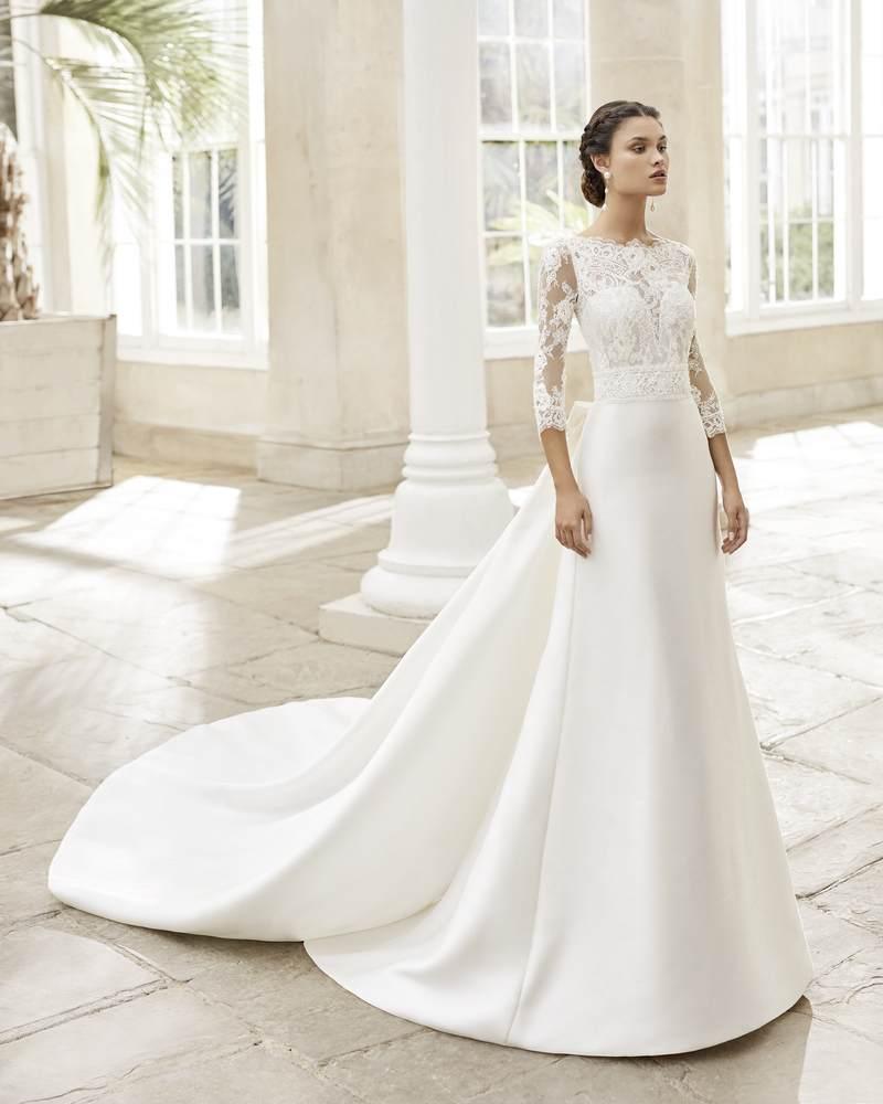Rosa Clará 2021-es menyasszonyi ruha kollekció vásárlás, bérlés: Tortosa menyasszonyi ruha